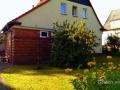 Hausfront und Garten vorne - Ferienhaus Steffen in Teterow.jpg